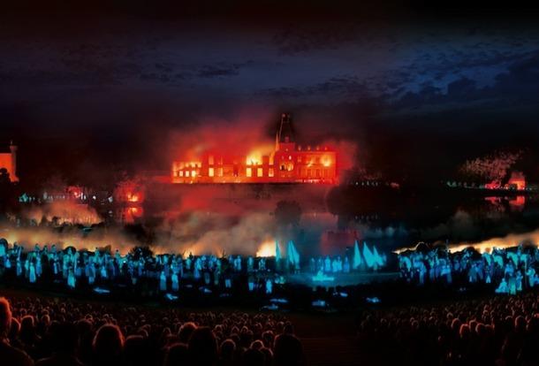 Le spectacle nocturne Cinéscénie a fait la renommée du parc du Puy du Fou. Crée en 1978, il a accueilli 10 millions de visiteurs et se joue à guichet fermés. DR - Puy du Fou.