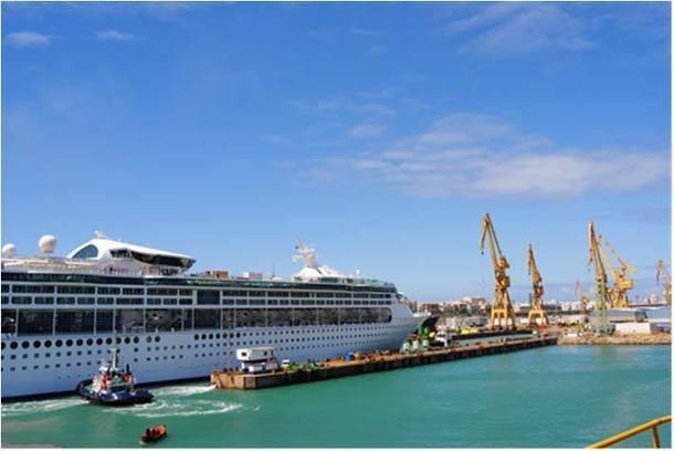 Le Grandeur of the Seas, actuellement en rénovation, assurera 11 départs de Marseille cet été. En 2013, le Legend of The Seas prendra le relais  - DR : RCCL