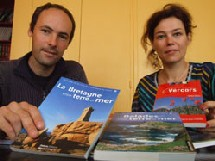 Axel Vicq et Maud Tyckaert, responsables éditoriaux des Editions Dakota