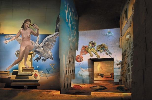 """Baux-de-Provence : """"Dalí, l'énigme sans fin"""", une expo hypnotisante aux Carrières de Lumières"""