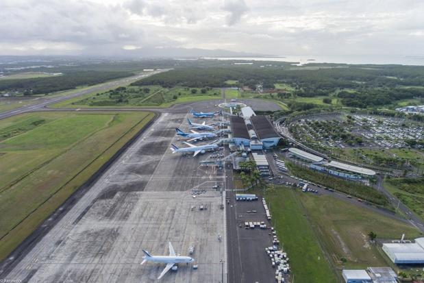 A compter du lundi 23 mars, les vols en partance de Pointe-à-Pitre seront limités - Crédit photo : compte Facebook Aéroport de Guadeloupe