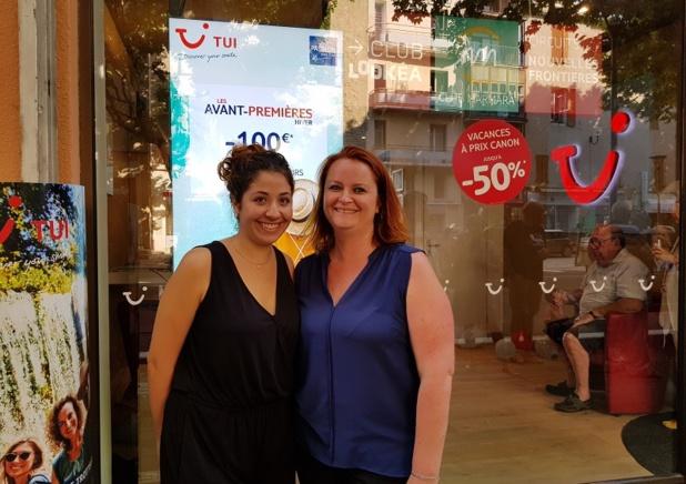 Farah Bazine, salariée et Marie Cornacchia, gérante du TUI Store de Manosque - Photo CE