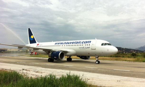 Le premier vol de Nouvelair en provenance de Tunis s'est posé sur le tarmac de l'Aéroport Toulon-Hyères, mardi 19 juin 2012. - DR