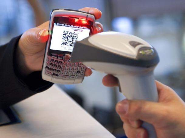 9 compagnies sur dix, d'ici 2015, mettront à la disposition de leurs passagers, sur mobile, la recherche de vols, l'enregistrement, la carte d'embarquement, l'achat de billets, le statut des vols etc. Photo DR Air France
