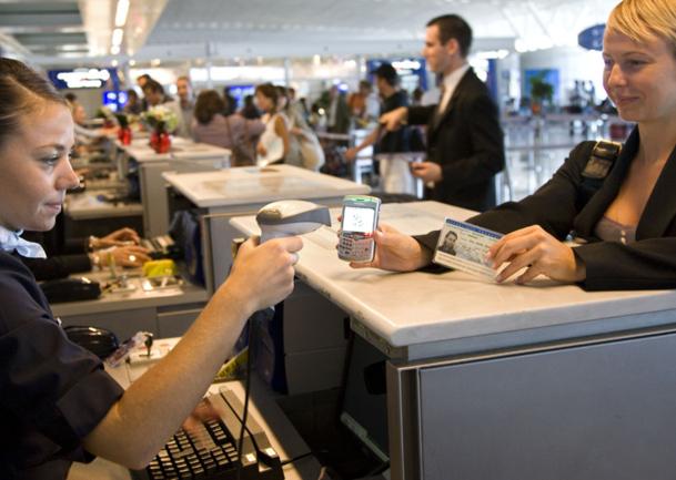 Neuf compagnies sur dix mettront à la disposition de leurs passagers, sur mobile, la recherche de vols, l'enregistrement, la carte d'embarquement, l'achat de billets, le statut des vols... - Photo DR Air France