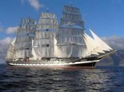 Salaün affrète un bateau spécialement pour convoyer ses invités pendant les Tonnerres de Brest - Photo DR