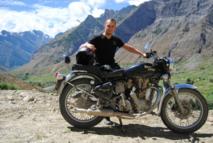 10 arguments clés pour vendre des séjours moto sur les chapeaux de roue