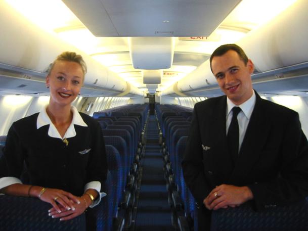 Facturer l'uniforme (350 euros chez Ryanair) ou le stage de qualification sur l'avion sont autant de pratiques en vigueur chez les low cost qui tendent à paupériser le métier et instillent dans l'esprit des PNC qu'ils sont juste un mal nécessaire au sein de l'entreprise - DR