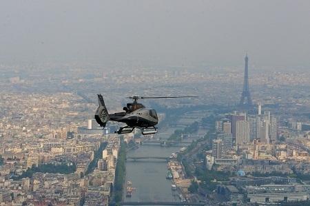 Il est désormais possible de découvrir Paris depuis le ciel en hélicoptère à partir de 99€ - Photo DR