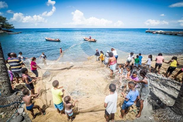 Pêche traditionnelle en Martinique. Pour Voyager Vrai, la Martinique est à vivre loin des clichés de masse - DR