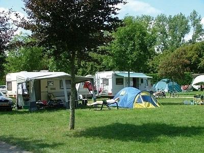 Dans un contexte de crise économique et avec une météo capricieuse, les réservations en camping baissent en France en 2012 - Photo DR