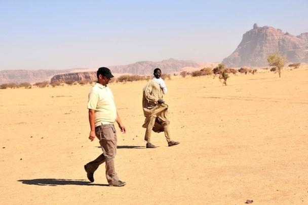 Stefan Buljat dans le désert de l'Ennedi au Tchad. Une région qui lui tient à coeur mais qui est difficile à vendre en ce moment. DR