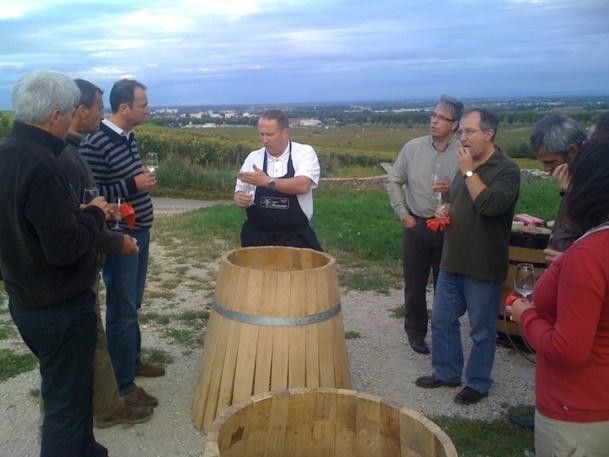 Une dégustation dans les vignes - DR Pierre-Olivier Coron