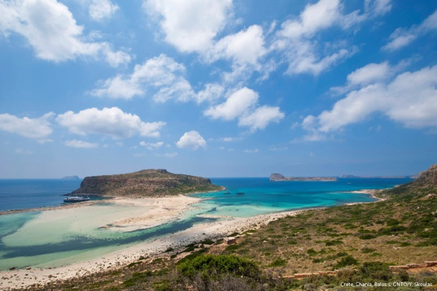 """Le nombre de personnes sur les plages """"organisées"""" sera contrôlé afin d'appliquer les mesures d'hygiène et de sécurité. - Photo Grèce"""