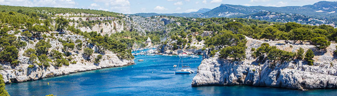 Image utilisée sous licence de Shutterstock.com / Calanque Port Pin Cassis