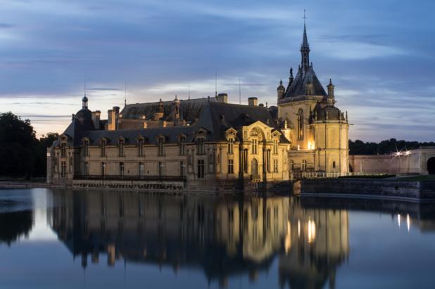Le château de Chantilly au crépuscule /crédit DepositPhoto