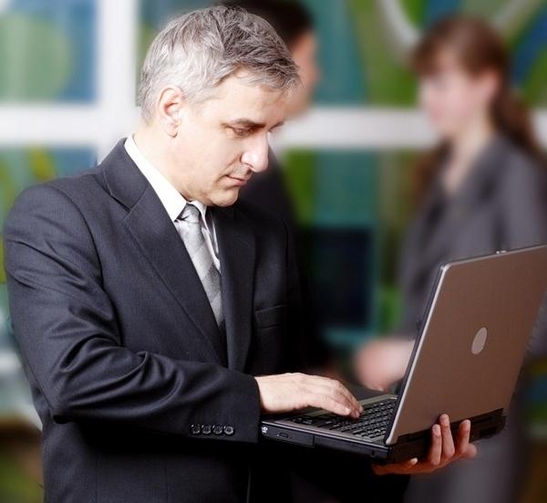 Le taux d'adoption de la réservation en ligne bat des records : 85% des réservations sur le réseau domestique sont passées via l'internet (en direct à la compagnie ou à une agence)./Photolia dr
