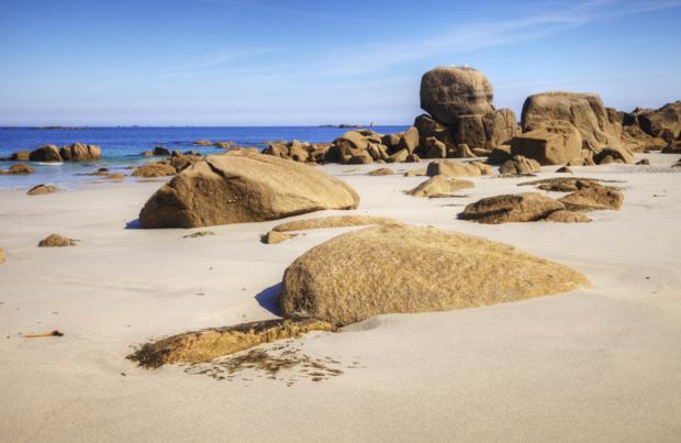 plage déserte de Bretagne /crédit DepositPhoto