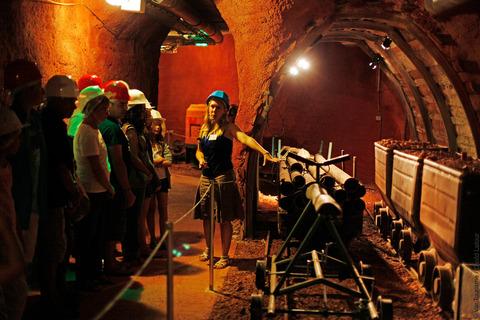 Visite commentée au musée des Gueules rouges à Tourves. VisitVar.