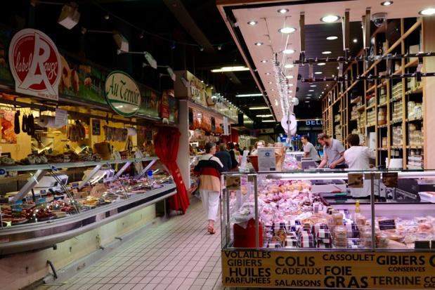 Le marché Victor Hugo où l'on trouve à l'infini les spécialités régionales. Christine Chabanette. CRT Occitanie.