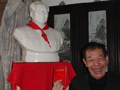 L'ancien garde rouge vous accueille chez lui, dans les hutongs de Pékin
