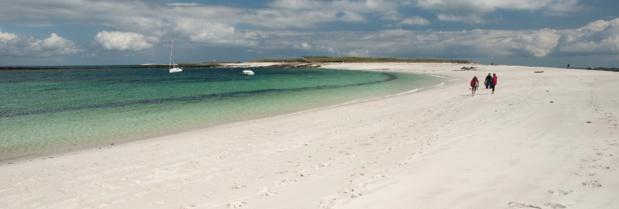 La plage Saint-Nicolas dans l'archipel des Glénan. Emmanuel Berthier.CRT Bretagne.