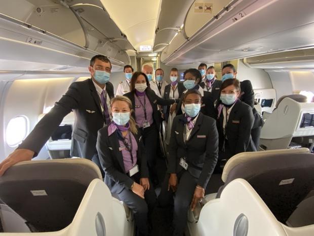Premier équipage à bord de l'avion qui s'est envolé vers la Martinique  - DR