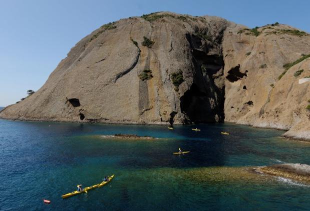 Sortie en kayak de mer autour de la calanque du Mugel à La Ciotat et du Bec l'Aigle - Crédit : Provence Tourisme