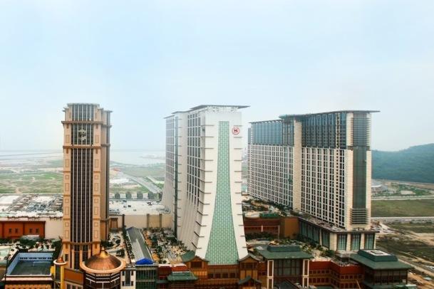 Le tout dernier né des complexes hôteliers de Macau, le Sand Cotai, comptera à terme 5800 chambres réparties dans trois hôtels. DR