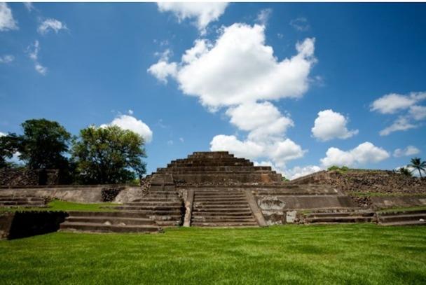 Joya de Ceren, un site archéologique classé au patrimoine mondial de l'UNESCO, surnommé le Pompéi d'Amérique-DR