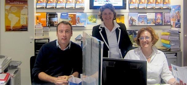 Dominique Thetu, responsable de l'agence FNAC Voyages Ternes à Paris, entourée de ses collaborateurs. DR - LAC