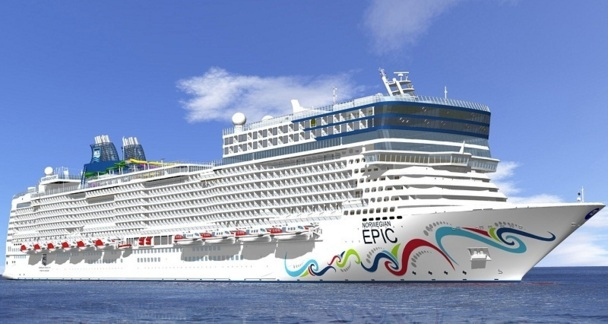 2 700 passagers du Norwegian Epic débarquent à Canne le 28 septembre 2012 - Photo DR