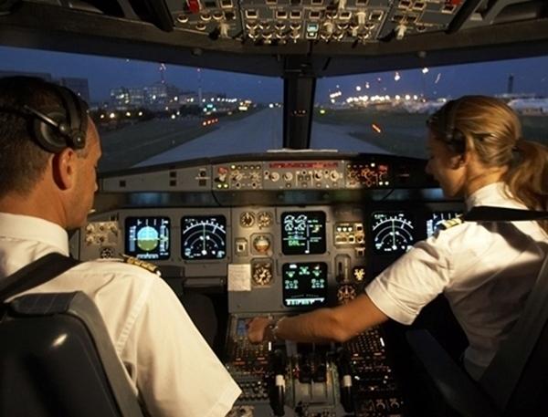 Un pilote de ligne est un salarié qui fait partie du personnel navigant dans une compagnie civile. /photo AF