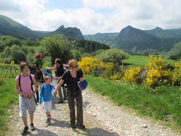 Randonnée entre lacs et volcans d'Auvergne  / DR Christophe Anglade