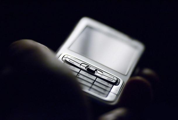 Les sites hébergés par Escapades Mobiles sont spécialement destinés à une consultation sur un écran de téléphone portable connecté à Internet - Photo-Libre.fr