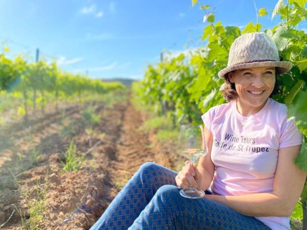 Sonia Ferchaud propose à ses clients de sillonner les vignobles à la découverte des vignerons de l'AOP Côtes de Provence - DR : Beyond The Wine