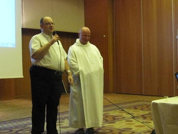 Les organisateurs du congrès ont tenu à inviter frère Olivier (ici aux côtés de David Sprecher) pour montrer que la réalité d'Israël est différente de l'image véhiculée dans les médias - Photo P.C.