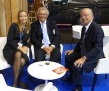 Thierry Schidler, président de la Commission Tourisme de la FNTV entouré par Gilles Hervouet et Véronique Hervouet / Photo MS