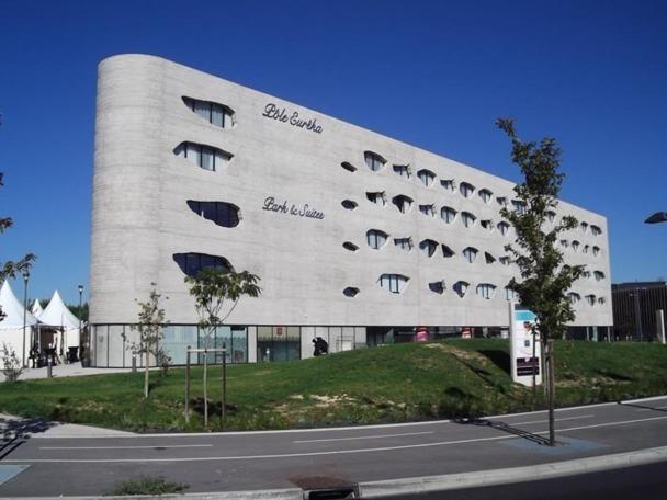 """En association avec la société """"Serge Blanco Développement"""", expert en thalassothérapie, Park and Suites va développer trois types d'établissements. Photo DR"""