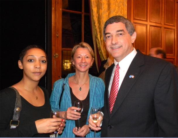 De gauche à droite :  Caroline Naret de Voyageurs du monde et Isabelle Weber de Comptoir des États-Unis, en compagnie de Jay Dardenne / Photo DR