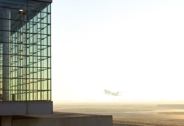 """A. de Romanet : """"C'est la première fois depuis 50 ans que le trafic aérien connaît un à-coup aussi brutal et il est avéré que le rétablissement sera très progressif : un retour au niveau de trafic de 2019 à Paris est anticipé entre 2024 et 2027"""" - DR : Gwen Le Bras pour Groupe ADP"""