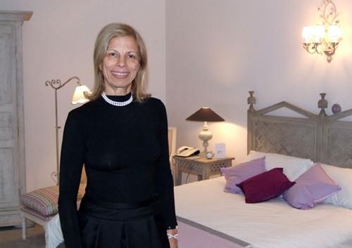 Judy Braham, Néo-zélandaise installée à Paris depuis 20 ans, est directrice du Jays