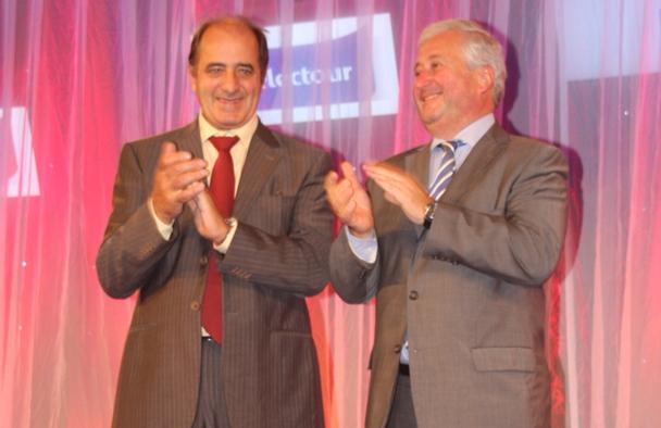 Jean-Pierre Mas et François-Xavier de Boüard lors du congrès de Seville, qui va sceller l'union historique et les retrouvailles des deux réseaux - Photo JdL