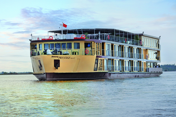 Le 2 janvier, les clients rejoindront, sur le lac Tonle Sap, le dernier-né des bateaux qui sillonne le Mékong, le R/V Mekong Prestige - DR : Rivages du Monde