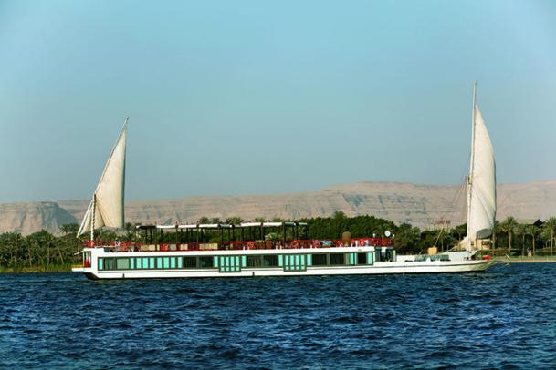 Considéré comme le plus petit dahabeya navigant sur le Nil, le SB Feddya propose néanmoins aux passagers davantage d'espace qu'un bateau traditionnel - DR : Mövenpick