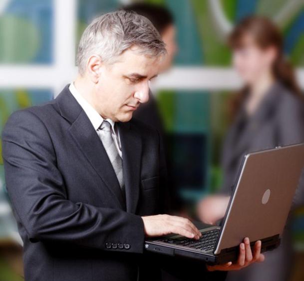 Le taux des 55-64 ans pointant à Pôle emploi a explosé de 41% de 2008 à 2011 pour atteindre 6,5%. En résumé : savourez votre employabilité entre 30 et 44 ans car elle est à son zénith, au-delà les choses peuvent se compliquer… - DR Fotolia