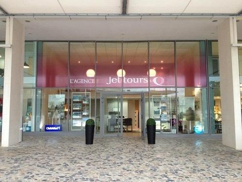 Installée face à la mairie, la nouvelle agence affiliée Jet tours de Montpellier a ouvert ses portes jeudi 15 novembre 2012 - Photo DR