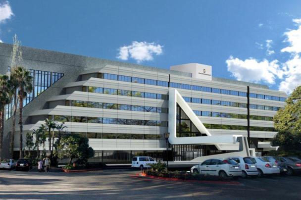 Situé dans le quartier de Sandton, où de nombreuses entreprises ont leur siège, le Maslow propose 281 chambres parfaitement équipées - Photo DR
