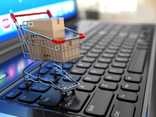 Les ventes de voyages sur internet se sont effondrées sur un rythme similaire à celles des agences physiques - crédit photo : depositphotos @maxxyustas