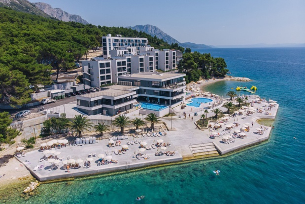 L'hôtel 4* ouvert sur la mer Adriatique propose 3 piscines, plage aménagée au pied de l'hôtel, chambres familiales, salle de fitness et le mini-club - DR : Top of Travel